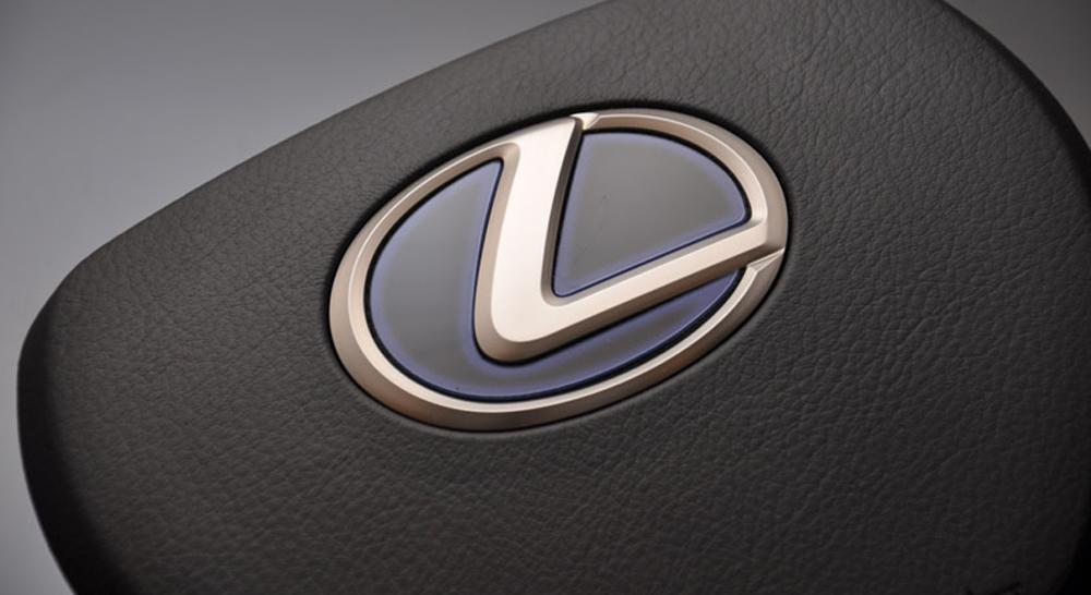http://www.lx-mode.jp/lineup/lexus_steering-base_t2.jpg